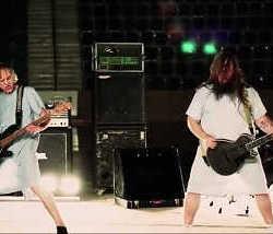 """Sakeo videoclip de """"La Banda Peligrosa"""""""
