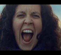 """Ingravitö videoclip de """"Los Cuentos De Sara"""""""